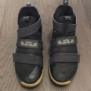 Nike Lebron's